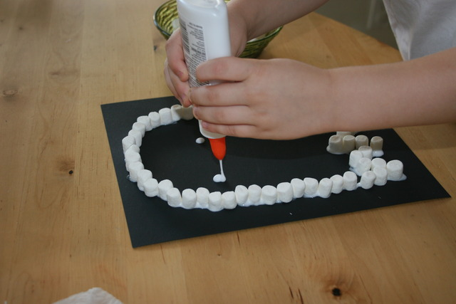 Marshmallow Ghost Craft Step 3