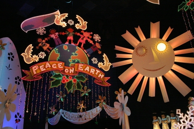 it's a small world holiday 6